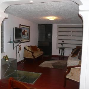 Hotel Pictures: Apartamento en Av Florida, Quito
