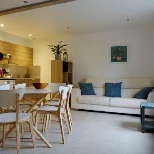 Hotel Pictures: Gite 'Avoine', Falaise
