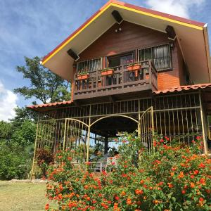 Hotel Pictures: Cabaña Rústica: 'La Casita', Guápiles