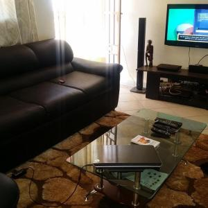 Hotel Pictures: Lovely 2 bedroom fully furnished apartment, Kampala