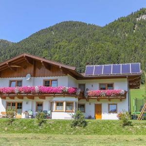 Hotel Pictures: Ferienwohnung Biechl-Hauser Doris, Sankt Ulrich am Pillersee