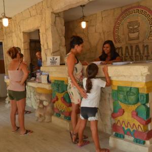 Hotel Pictures: Maïana Resort, La Grande-Motte