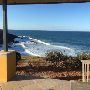 Hotellikuvia: OceanScape Luxury Beachfront Villas, Scotts Head