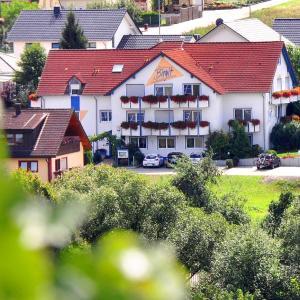 Hotel Pictures: Hotelpension Gästehaus Birgit, Bad Mergentheim