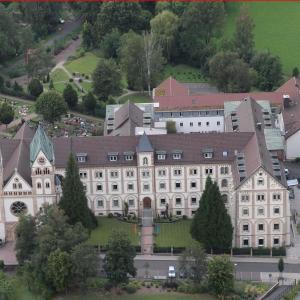 Hotel Pictures: St. Bonifatiuskloster - Geistliches Zentrum, Hünfeld