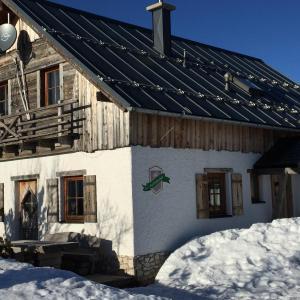 Hotellikuvia: Almchalet Feuerkogel, Ebensee
