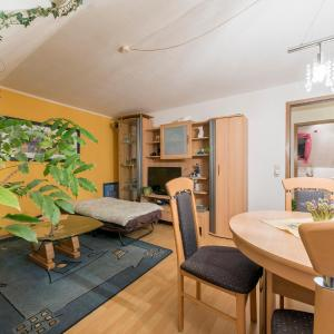 Hotel Pictures: Privatapartment Relax Ahlem (6296), Hannover