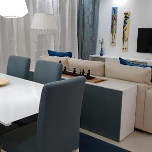 Hotel Pictures: Elegant Modern Blue Apartment, Praia