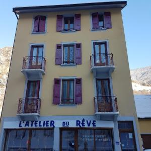 Hotel Pictures: L'Atelier du Rêve, Brides-les-Bains