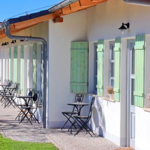 Hotel Pictures: La Bobul Apartmens, Drnholec