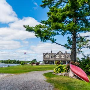 Hotel Pictures: Rawley Resort, Spa & Marina, Port Severn