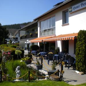 Hotel Pictures: Hotel Pension Haus Berghof, Hellenthal