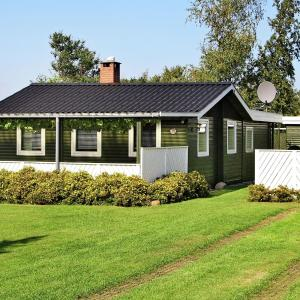 Hotel Pictures: Three-Bedroom Holiday home in Malling 2, Ajstrup