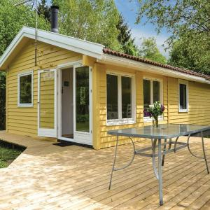 Hotel Pictures: Two-Bedroom Holiday Home in Borup, Borup