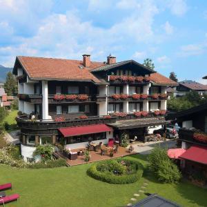 Foto Hotel: Hotel Menning, Oberstdorf