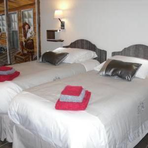 Hotel Pictures: Chambres d'Hôtes Au Domaine des Maynardes, Labège