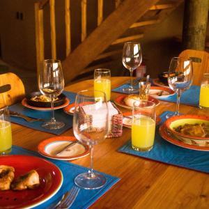 Hotel Pictures: Casona Distante Eco Lodge, Alcoguaz