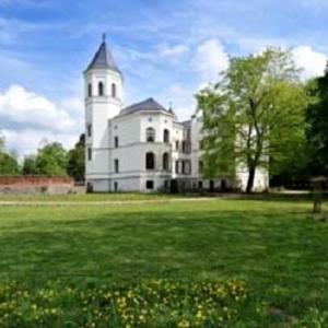 Hotel Pictures: Schlosshotel Bredenfelde, Bredenfelde