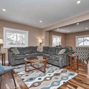 Hotel Pictures: Country Chic Family Home, Thorold