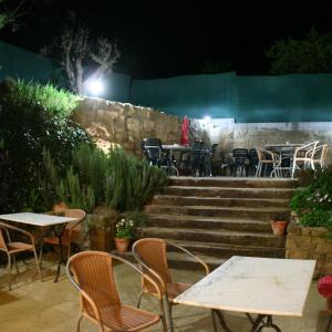 Hotel Pictures: Hostal La Fuente, Buera