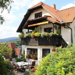 Hotelbilleder: Ferienwohnung-Panorama, Rauenstein