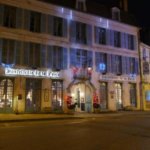 Hotel Pictures: Hostellerie de la Poste - Les Collectionneurs, Avallon