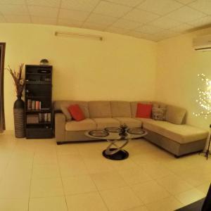 Zdjęcia hotelu: Fully furnished 1 bedroom apartment, Abu Zabi