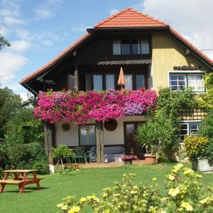 Foto Hotel: Landhaus Egger, Seeboden