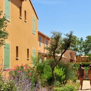 Hotel Pictures: Résidence Goélia Le Mas des Arènes, Mouriès