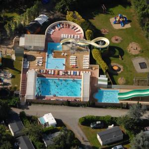 Hotel Pictures: Camping De La Plage - 400 mètres de La Plage, Bénodet
