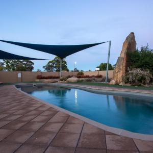 酒店图片: Wimmera Lakes Caravan Resort, 霍舍姆