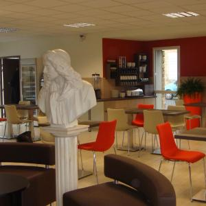 Hotel Pictures: Inter Hotel Cholet, Cholet
