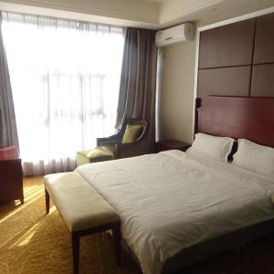 Hotel Pictures: River Business Hotel, Dengfeng