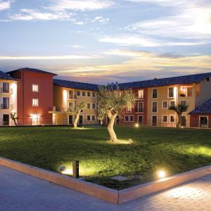 Hotellikuvia: Hotel Parchi Del Garda, Lazise