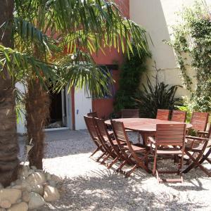 Hotel Pictures: L'Orangeraie, Elne
