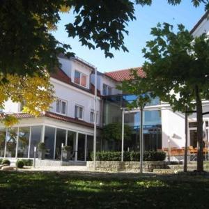 Hotelbilleder: Grüner Baum, Krumbach