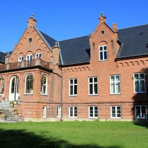 Hotel Pictures: Ny Kirstineberg Gods Bed & Breakfast, Nykøbing Falster