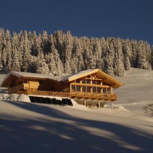 Hotellikuvia: Mecki's Dolomiten Panorama Stubn, Debant