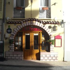 Hotel Pictures: La Chaumière, Seyne