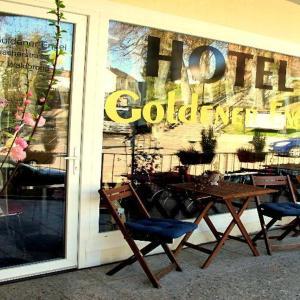 Hotelbilleder: Hotel Goldener Engel, Waldbronn