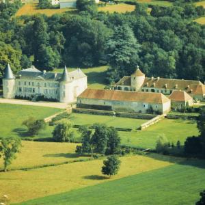 Hotel Pictures: Château de Beaujeu, Sens-Beaujeu