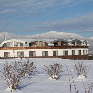 Hotel Pictures: Grund Resort Golf and Ski, Mladé Buky