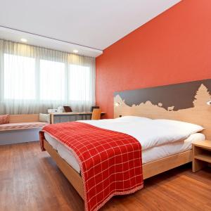 Hotel Pictures: SwissEver Zug Swiss Quality Hotel, Cham