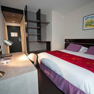 Hotel Pictures: Brit Hotel Golfhotel Saint Samson, Pleumeur-Bodou