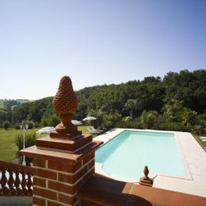 Hotel Pictures: Chalet Domaine de Combe Ramond, Maurens-Scopont