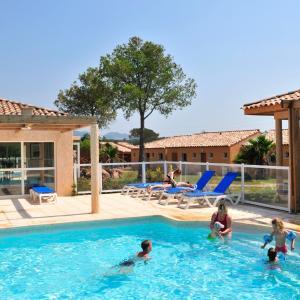 Hotel Pictures: Résidence Goélia Le Village Azur, Puget-sur Argens