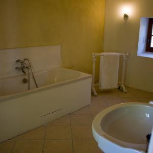 Hotel Pictures: Les Heures Bleues, Visan