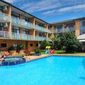 Hotel Pictures: The Tahitian Holiday Apartments, Coffs Harbour