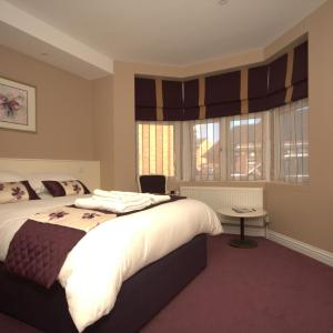 Hotel Pictures: Highclere Hotel, Ascot