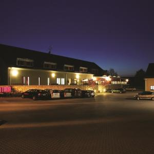 Hotel Pictures: Equitana Hotel Resort, Březnice